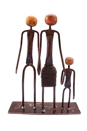 Escultura pai mãe e filho