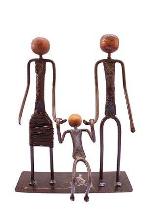 Escultura família feliz