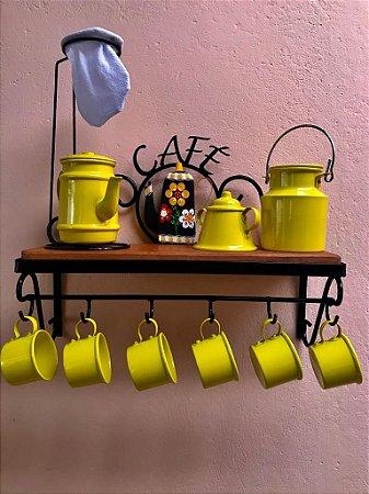 Kit Cantinho do Café com Kit Bule Amarelo em Alumínio com Canecas Amarelas Leiteira e Açucareiro