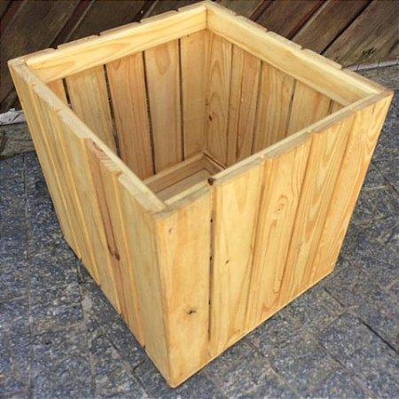 Cachepô de pallet 40x40x45 cm