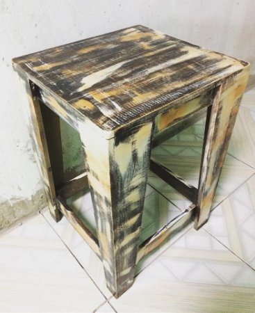 Banqueta alta sem encosto 60x60x60 - pátina de demolição