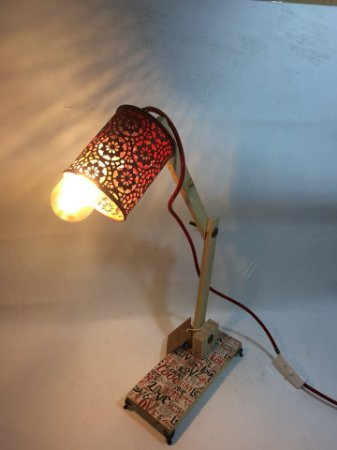 Luminária vermelha- somente venda