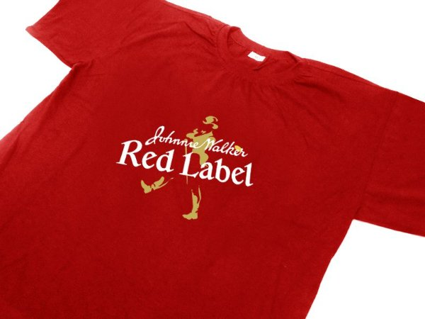 FR106 - Camiseta Estampa Johnnie Walker Red