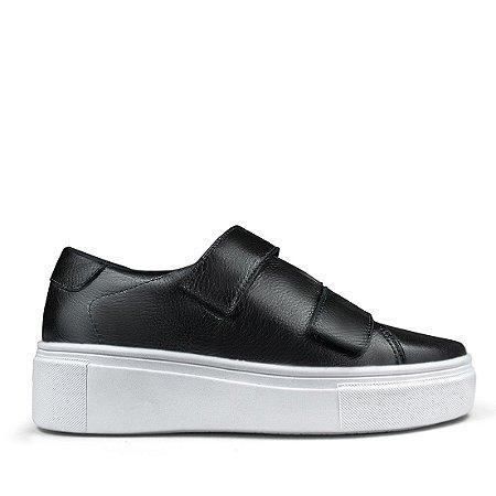 Sneaker em couro preto mod482