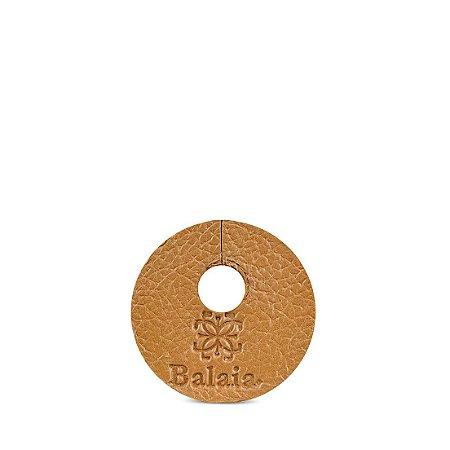 Marcador de taça personalizável em couro avelã