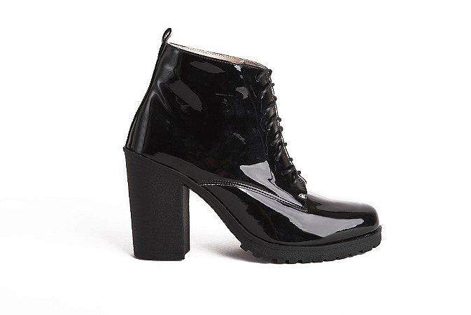 Bota feminina em verniz preto mod226