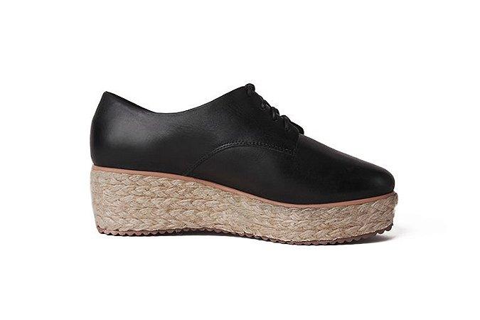 Sapato anabela feminino em couro preto mod236