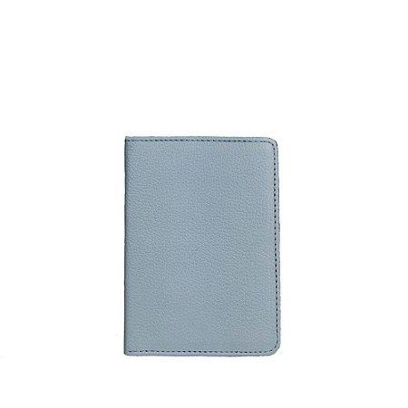 Porta Passaporte Balaia em couro Pale Blue
