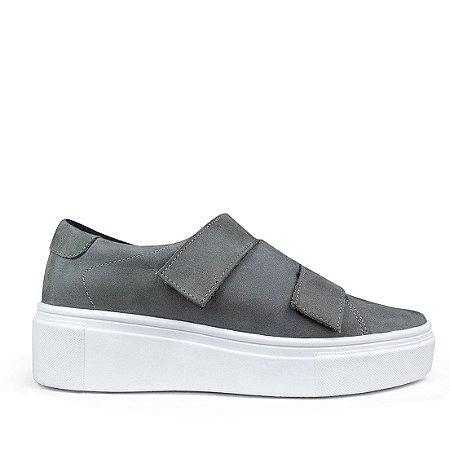 Sneaker em couro nobuck cinza mod482