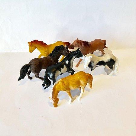 Kit Cavalos da Fazenda com 6 animais miniatura  - SQ3589