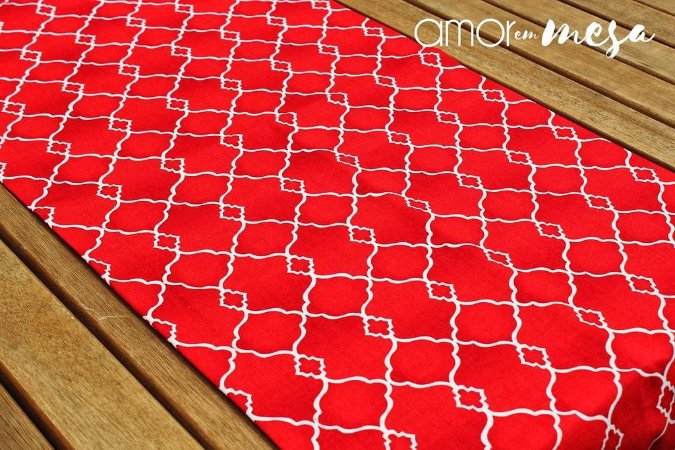 Trilho de Mesa Geométrico Vermelho
