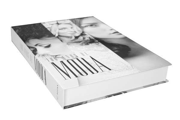 Livro decorativo 100 anos de moda