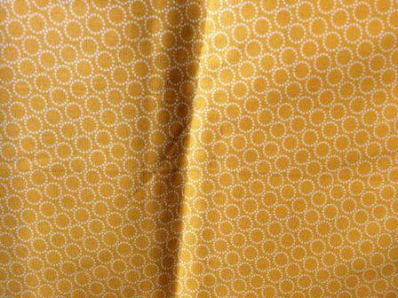 Tecido para Patchwork NE Poá Amarelo (0,50m x 1,50m)