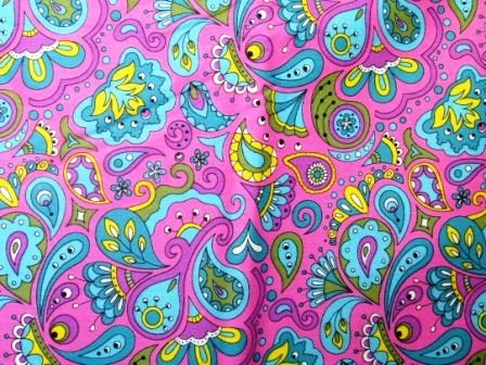 Tecido para Patchwork Rapsody fd. Pink (0,50m x 1,50m)