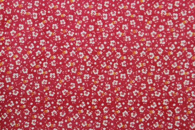 Tecido para Patchwork Floral Miúdo Branco fd. Pink (0,50m x 1,50m)