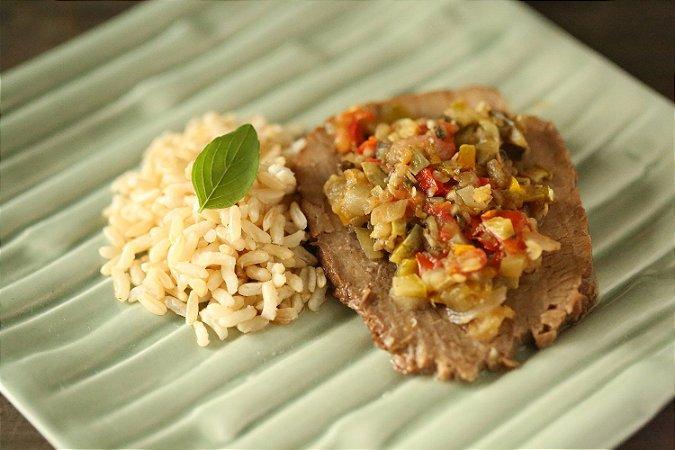 Lagarto Assado, arroz integral e ratatouille