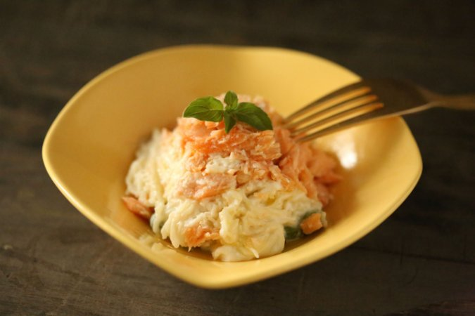 Cabelinho de Anjo com salmão e cream cheese