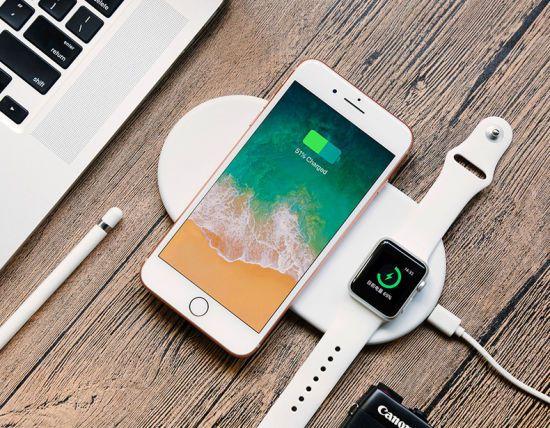 Base Carregadora 2 em 1 QI Wireless Charger  por Indução opara iPhone e Apple Watch  - Mini Airpower