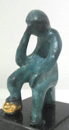 pensador - escultura de bronze  patinado 11  cm