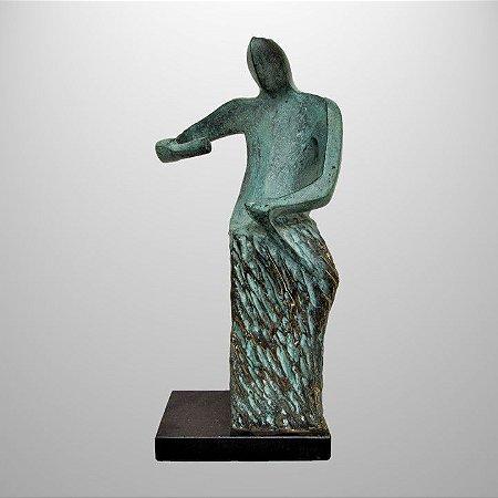 """""""Aprendiz cinzelador"""" -Escultura em bronze patinado 25cm"""