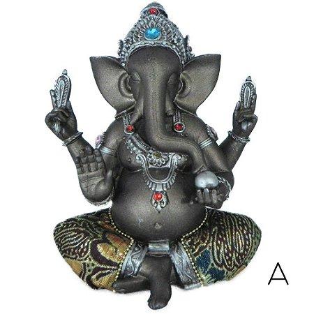 Ganesha com detalhes em strass