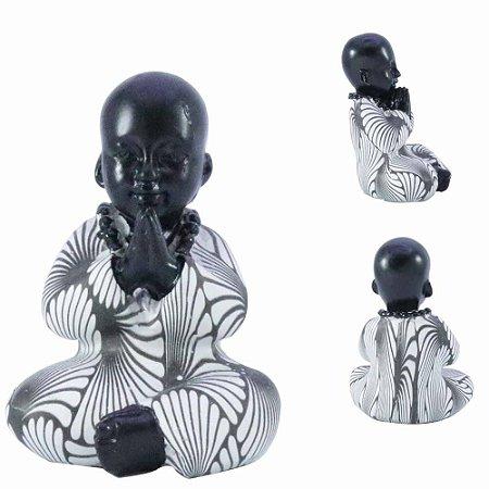 Buda de Resina em Oração