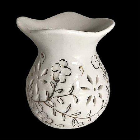 Rechô de cerâmica redondo branco com desenhos florais