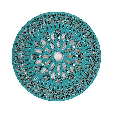 Mandala estilo renda com pontos de strass.