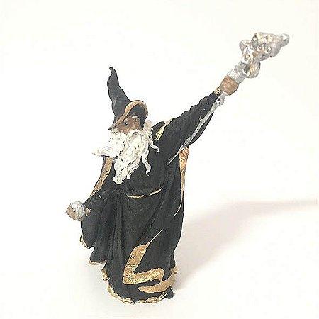 Mago Merlin com Cajado