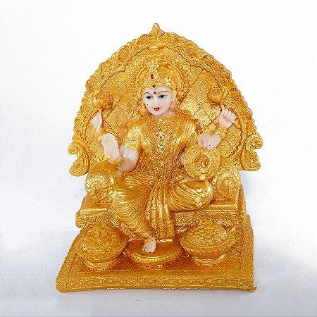 Estatueta Lakshmi no Trono Dourado em Resina
