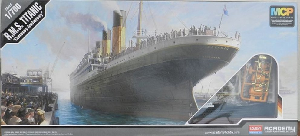 "R.M.S. Titanic ""Centenary Anniversary) - escala 1/700 - Academy"