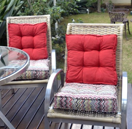 2 Futons - Conjunto de 2 almofadas Futons para Sacada/Jardim Liso Vermelho e futon chevron