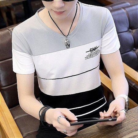 Camiseta Stripes Gola V Slim Fit