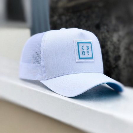 Boné Trucker Aba Curva Chora Boy Branco / Azul