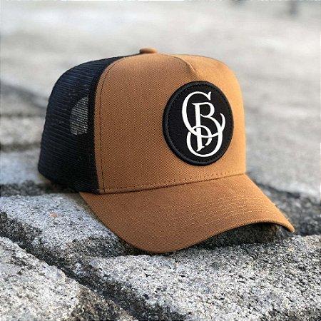 Boné Trucker Aba Curva Chora Boy - Caramelo / Preto