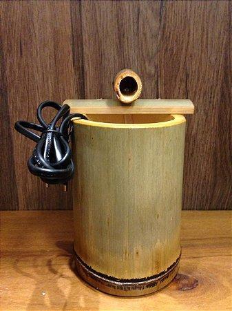 Mini fonte Bambu com uma queda