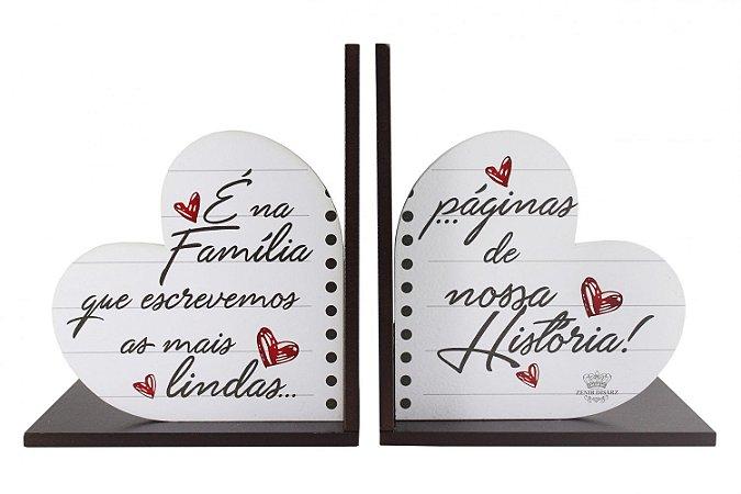 Aparadores de Livros em madeira - É na Família..