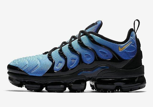 ad845806bee Tênis Nike Air Vapormax Plus - Azul e Preto - Calçados50off ...
