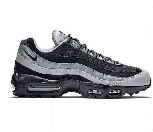Tênis Nike Air Max 95 - Branco e Preto