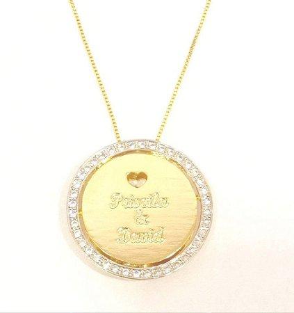 Mandala 3 cm - com cravações em Zircônia e coração vazado.