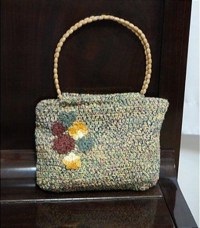 Bolsa de crochê em barbante mescla bordada