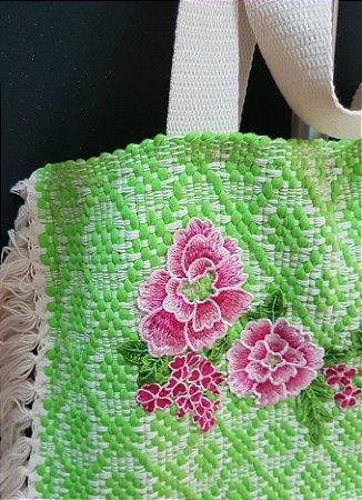 Bolsa tear verde-verão bordada