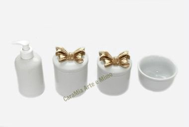 Kit Higiene Bebê Porcelana| Laço Dourado| 4 peças