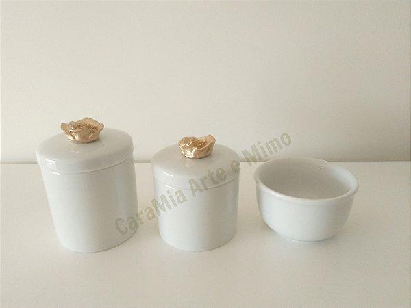Kit Higiene Bebê Porcelana| Flor Dourada |3 peças