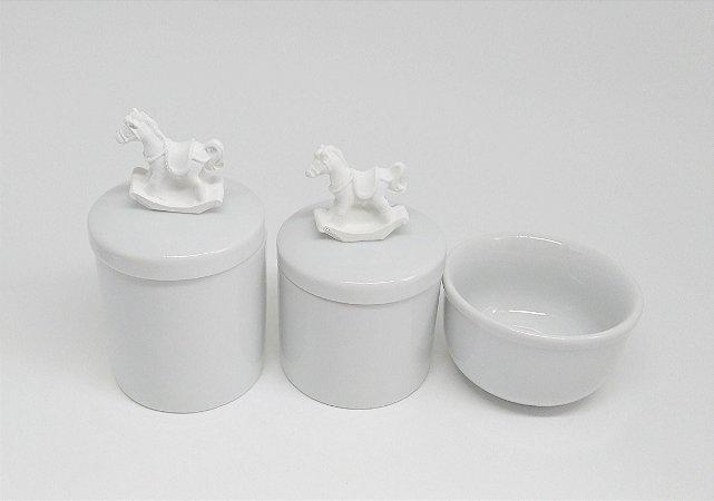 Kit Higiene Bebê Porcelana Cavalinho Branco