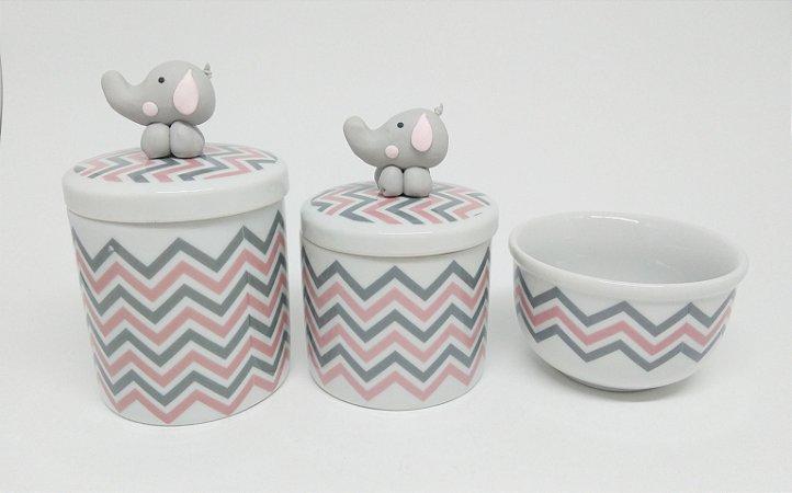 Kit Higiene Bebê Porcelana Chevron Rosa e Cinza com Elefantinho em Biscuit
