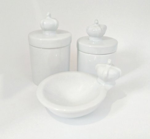 LIQUIDAÇÃO Kit Higiene Bebê Porcelana Coroa Branca 3 peças