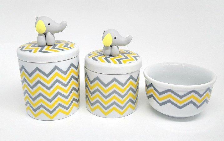 Kit Higiene Bebê Porcelana| Chevron Amarelo e Cinza com Aplique Biscuit Elefante| 3 pçs