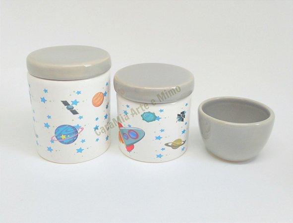 Kit Higiene Bebê Porcelana  Astronauta no Espaço Cinza  3 peças