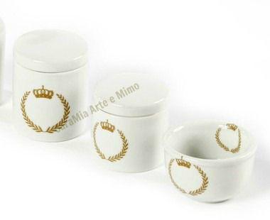 Kit Higiene Bebê Porcelana | Coroa Dourada com Brasão| 3 Peças |